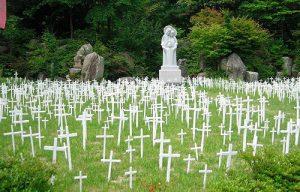 Cemetery_in_Kkottongnae_South_Korea_Credit_Andy_Prima_Kencana_wwwandyprimacom_CNA_8_8_14