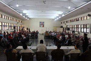 ceramah pada Buka Puasa Bersama yang diselenggarakan oleh FKHK (Forum Komunikasi Hubungan Antar Agama dan Kemasyarakatan) Dekenat Jakarta Timur bertempat di Aula Gereja Paroki Keluarga Kudus Rawamangun, Jakarta Timur pada hari Selasa (21/6/2016)